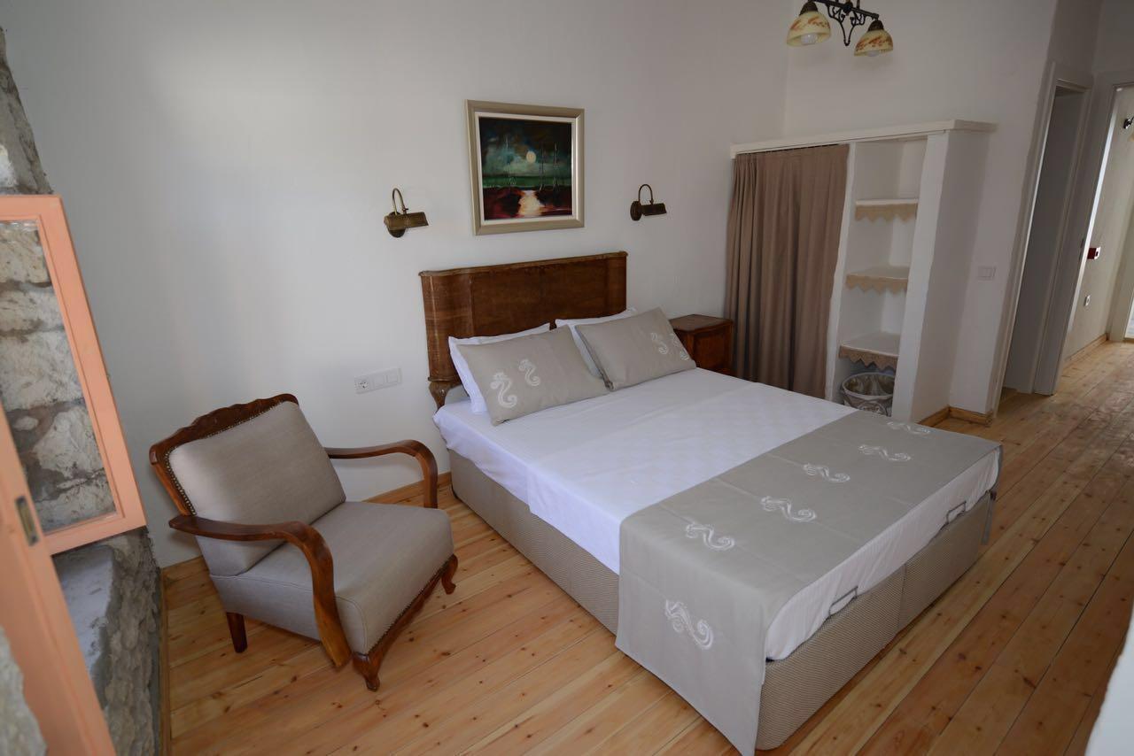 kremhotel_oda